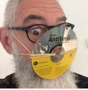 mascarilla casera 'antivirus' de un usuario